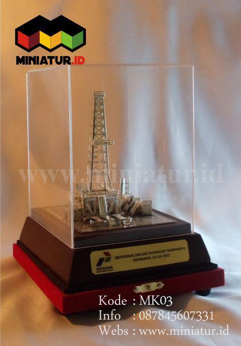 MK03-MINIATUR-KILANG-MINYAK