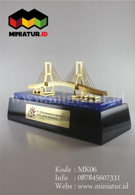 MK06-MINIATUR-JEMBATAN-SURAMADU