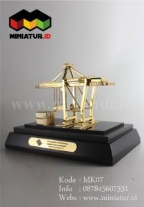 Miniatur Crane