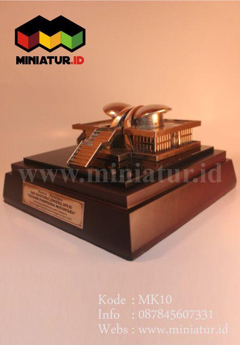 MK10-MINIATUR-LOGAM-MINIATUR-GEDUNG-DPR-MPR