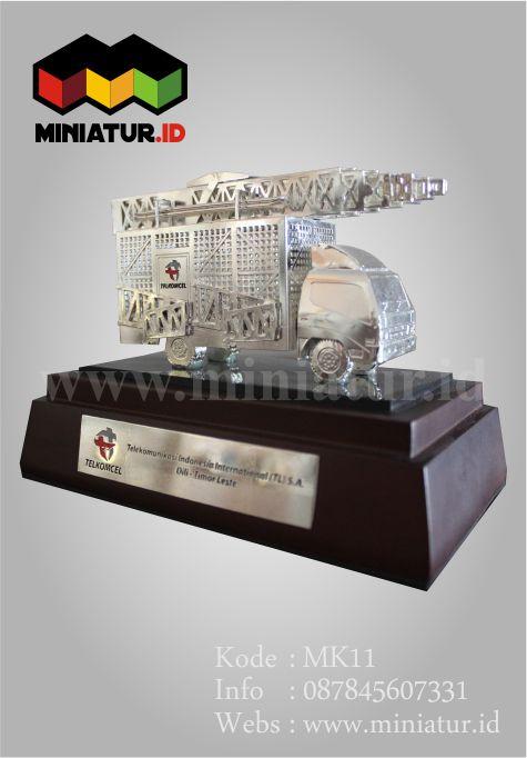 MINIATUR-MOBIL-MINIATUR-TRUCK-MINIATUR-MOBIL-TELKOMSEL