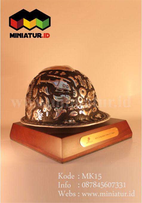 souvenir-helm-tambang-alumunium