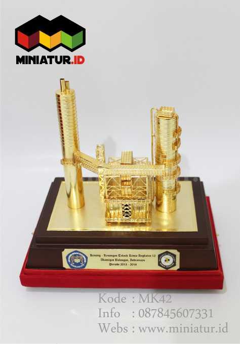 miniatur-pabrik-kuningan