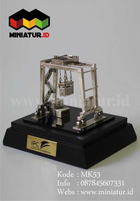 souvenir-miniatur-crane-Overhead Crane