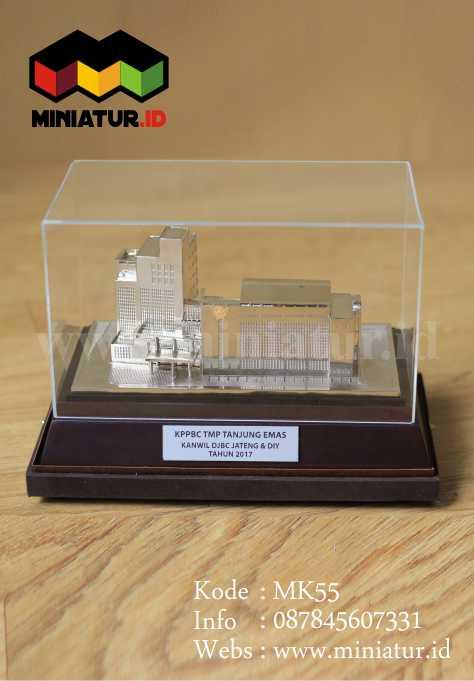 Miniatur Gedung Bahan Logam Kuningan