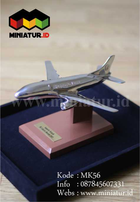 Souvenir Miniatur Pesawat Bahan Logam