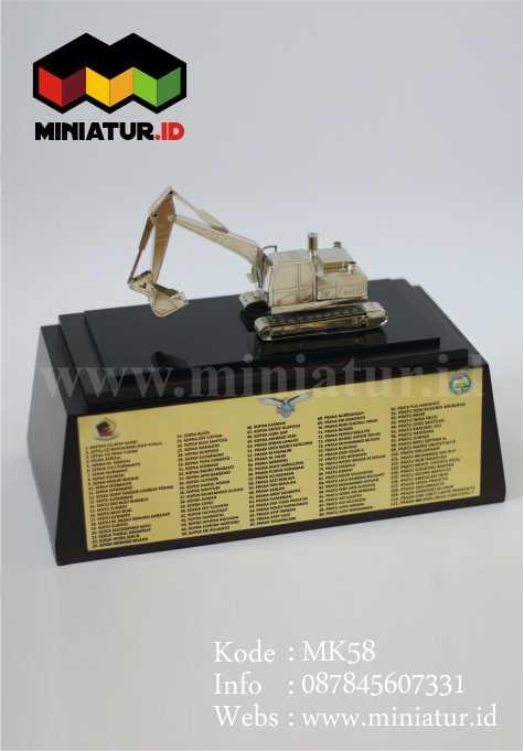 souvenir-miniatur-excavator