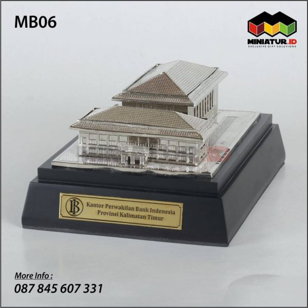 Miniatur Gedung Bank Indonesia