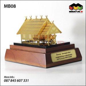 Miniatur Rumah Adat Mentawai