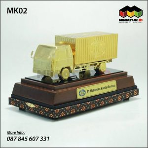 Miniatur Truk Box