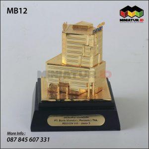 Miniatur Gedung Menara Mandiri