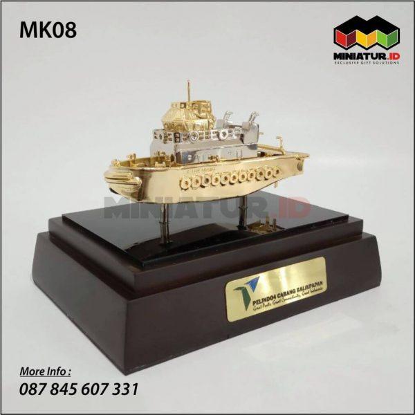 Miniatur Kapal Tug Boat Pelindo