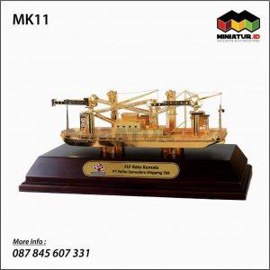 Miniatur Kapal FLF Ratu Kumala