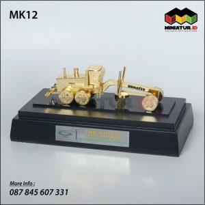 Miniatur Alat Berat Grader Komatsu