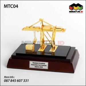 Miniatur Kontainer Crane